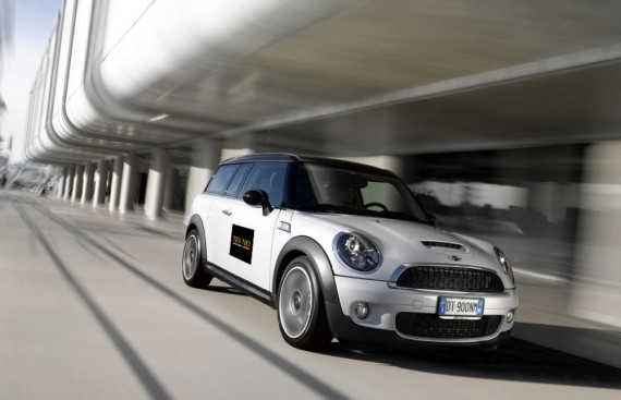 Mini Clubman voor no-no restaurant auto belettering door marathon advertising agency